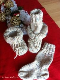 Babyschühchen und passende Socken
